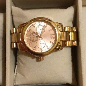 Jewelry - Gold tone classic watch